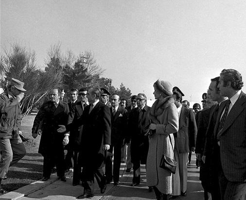 حرفهایی در باره روز فرار محمدرضا پهلوی در ۲۶ دی ماه ۱۳۵۷